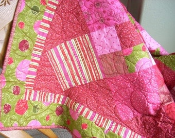 Holiday Sparkle lap quilt - FREE SHIPPING