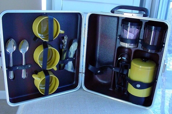 Vintage Empire coffee maker travel kit - harvest gold CUTE and RETRO