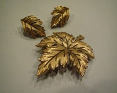 Vintage Crown Trifari Leaf Earrings and Brooch Set Goldtone