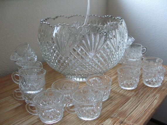 20 Piece Depression Glass Punch Bowl Set