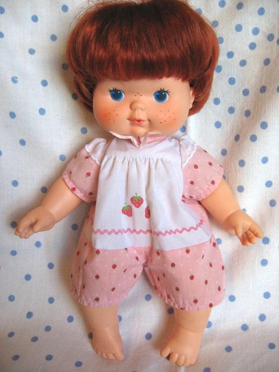 Strawberry Shortcake Blow Kiss Doll  Kenner 1982