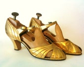 antique\/vintage Gold leather 1936 evening shoes,excellent  9.5