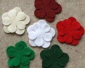 Mistletoe Kisses - Poppies - 24 Die Cut Felt Flowers