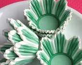 Mini-Midi Green Flower Cupcake Liners, Scalloped EdgeTulip Baking Cups  (150 count)