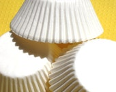 Bulk Plain Basic White Cupcake Liners Baking Cups (200 count)