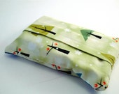 Snow Laden TISSUE COZY - pouch including tissues