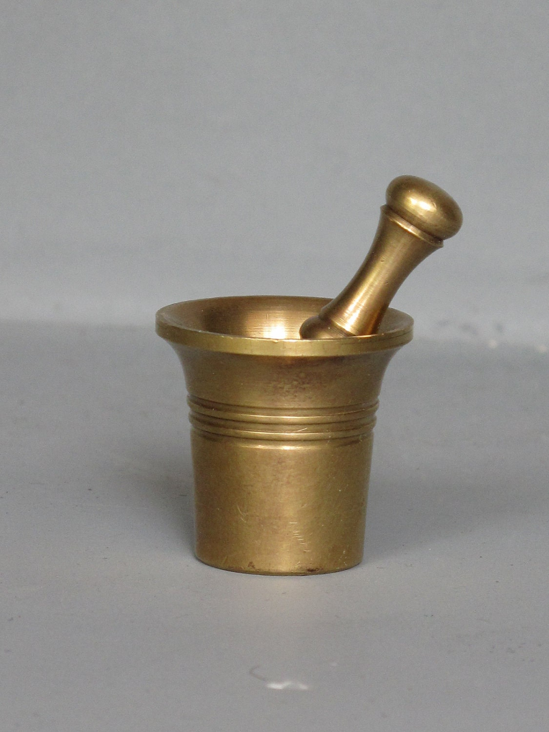 Vintage Small Brass Mortar And Pestle Miniature Collectibles