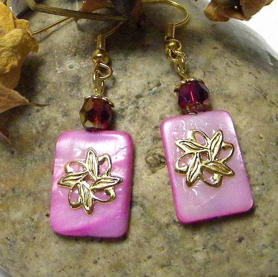 Fuchsia Dangle Earrings, Fuchsia Earrings, Beaded Earrings, Fuchsia Beaded Earrings, Shell Earrings, Mother Of Pearl Earrings