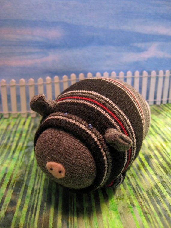 Sock Piggy - Do these stripes make me look fat