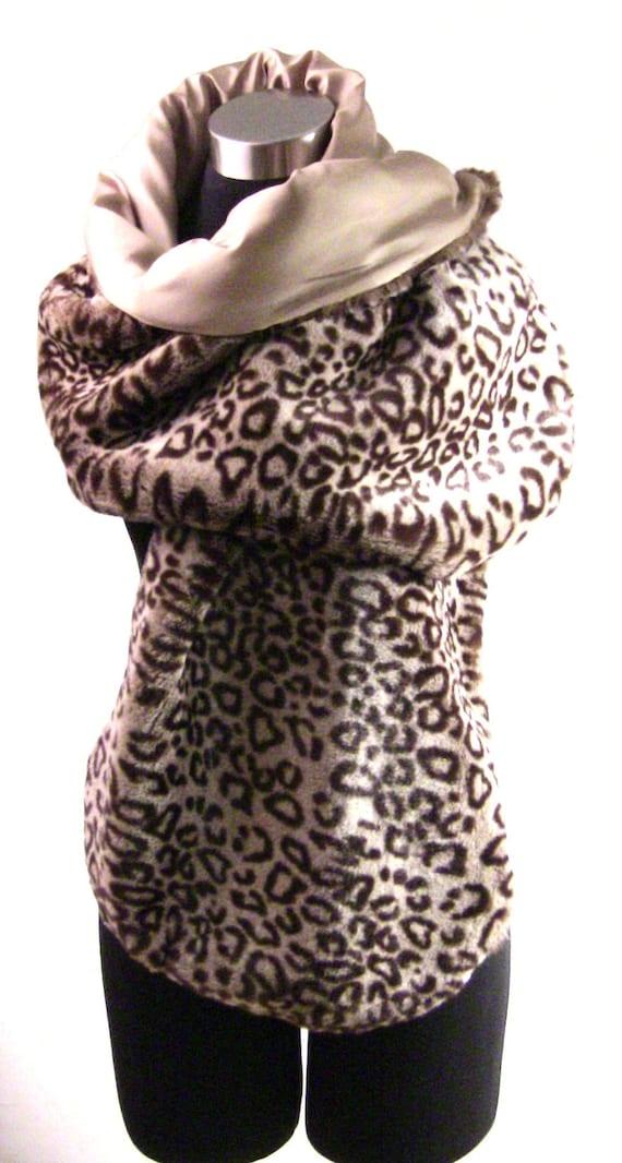 MOST DESIRED - Leopard Stole in Faux Fur