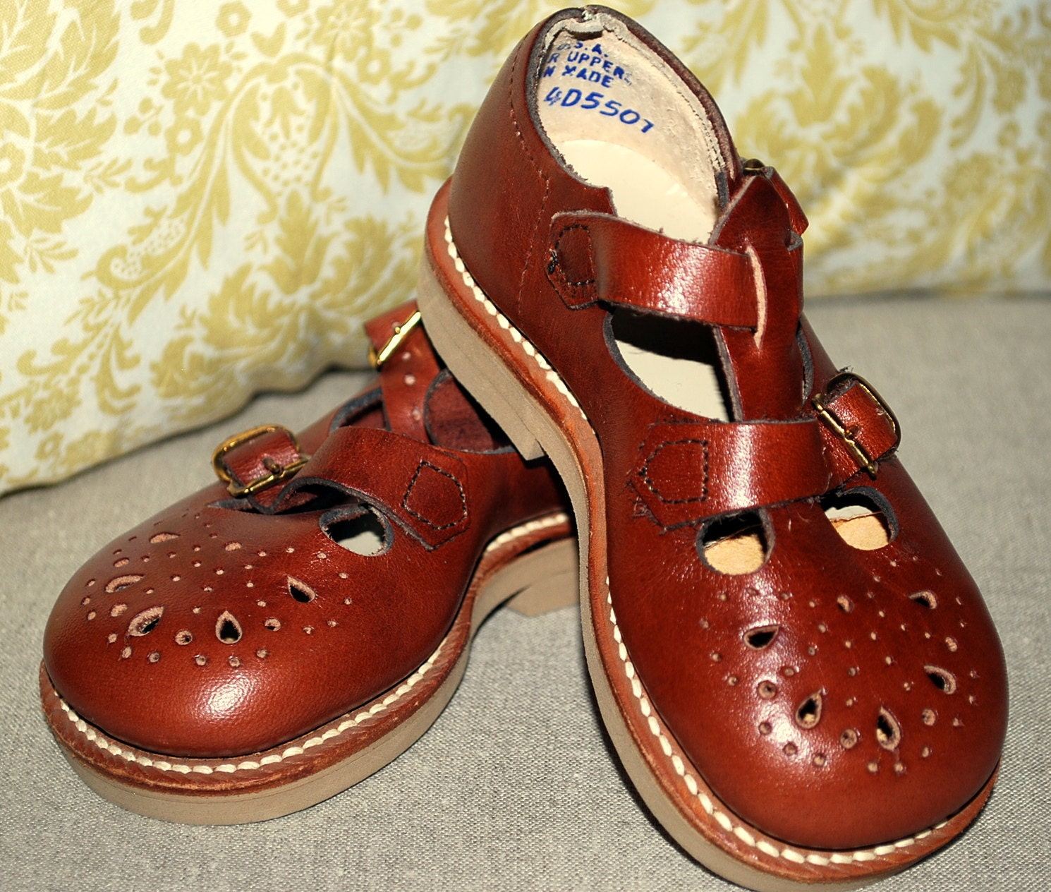 Dress Shoes With Red On Bottom