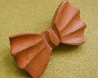 Vintage Wood Bow Brooch, Pin.  1950's Bow Tie pin