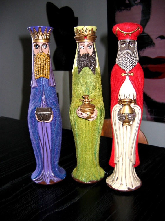 Vintage 1970's MAGI Christmas decorations.  3 Kings, Wisemen. Beautiful ceramic