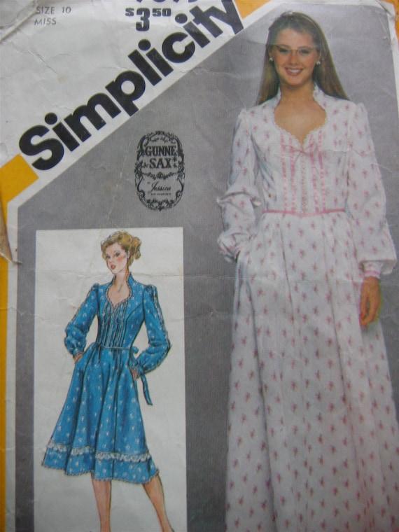 Vintage 80's Gunne Sax sewing pattern.   Boho, Hippie, Prairie Dress.  Simplicity.  Misses Size 10.   No.  9893.