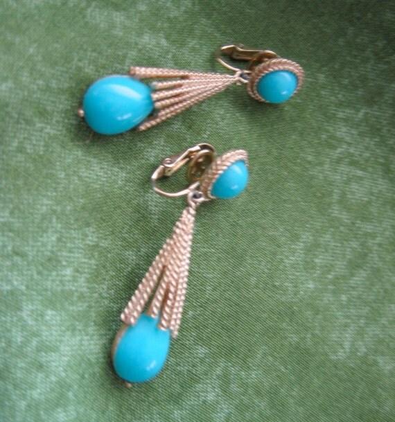 Vintage 1970's, Avon Clip on Drop Earrings.  Turquoise and goldtone.  Azurene, 1972