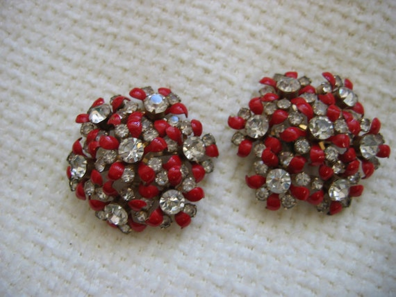 Vintage 1950's, Large Enamel and Rhinestone Earrings. Clip on. Hollywood glamour. Red Flowers..