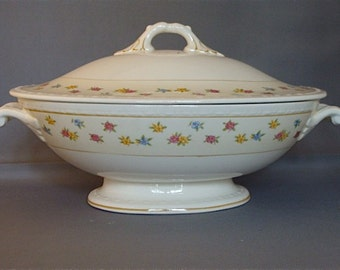 Vintage Homer Laughlin Covered Casserole Dish