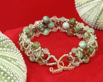 Pale Green Flower Bracelet