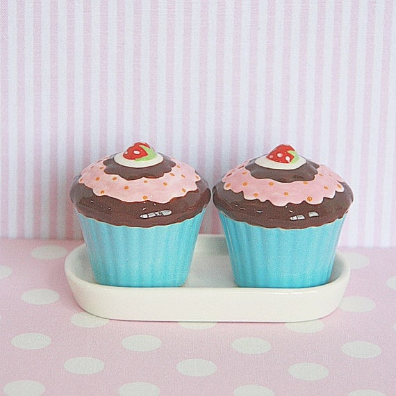 Salt and Pepper Shakers Set come with Its own Tray -  Chocolate Fudge and Strawberry Topping with Strawberry on Blue Cup Cake Ceramic