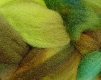 Wool Roving Hand Dyed in Rain Forest Green