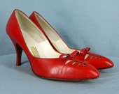 1950s Red Leather Heels Pumps Shoes w/Corset Vamps and Bows size 7.5 AA  Also fit 6-6.5 Regular