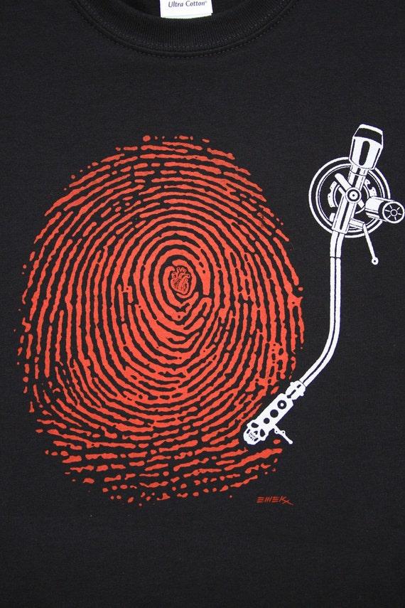 DJ Fingerprint Men's T Shirt. Art by EMEK. Turntable. by ...