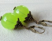 APPLE GREEN Vintage Earrings