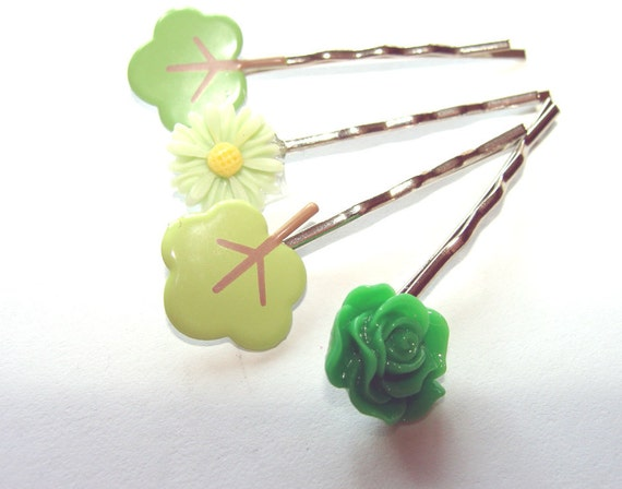 Trees And Flowers Bobby Pins Set of 4 In Dark And Light Green