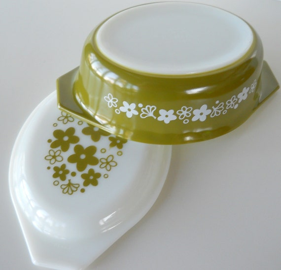 Vintage Pyrex Spring Blossom Green Oval Covered Casserole