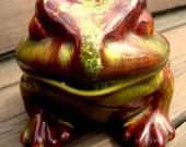 Great Earthy 80s Vintage Garden Toad Statue