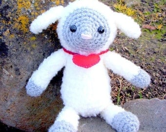 Crochet Amigurumi animal doll pattern - Sweet little lamb sheep