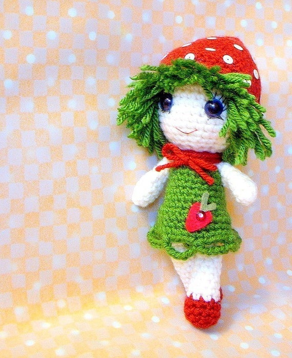Amigurumi Strawberry Doll Pattern : Amigurumi - Strawberry Qtie - Crochet Amigurumi doll ...