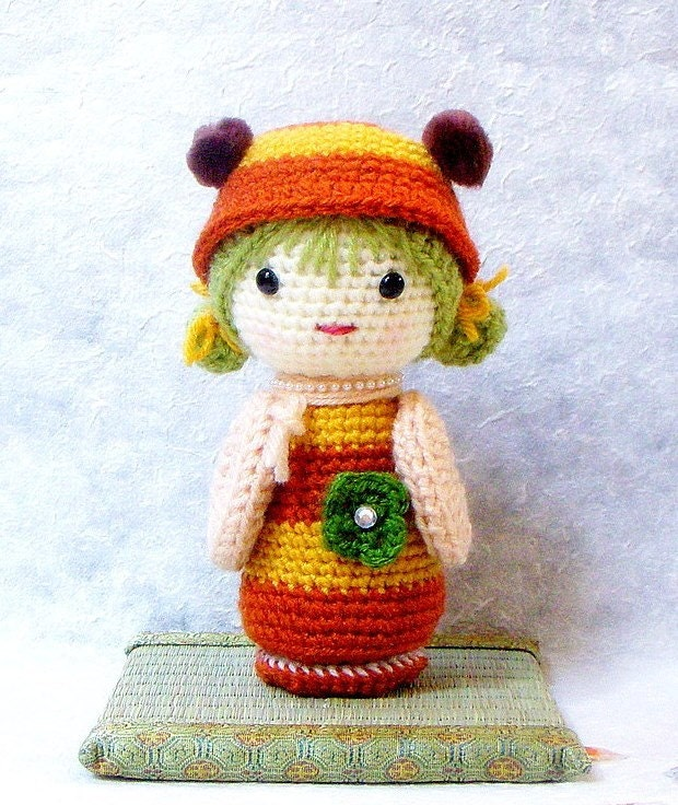 Easy Amigurumi Cat Pattern : Amigurumi kokeshi pattern B Bee Crochet Kokeshi doll