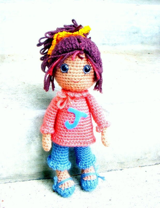 Amigurumi Square Doll : Joy Amigurumi girl doll crochet pattern / PDF