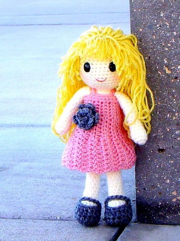 Amigurumi Klesik Doll : Aino Amigurumi crochet girl doll pattern / PDF