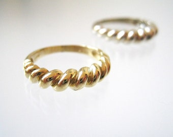 Twisted Ring 18k Yellow Gold Stacking Ring