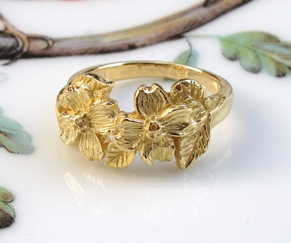 Dogwood Flowers 18k Gold Ring