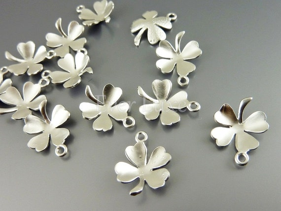 1214-MR (4 pcs) Matte rhodium plated lucky clover charms