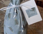 Christmas Wine Bottle Gift Wrap Bag with Gift Tag Reusable and Eco Friendly