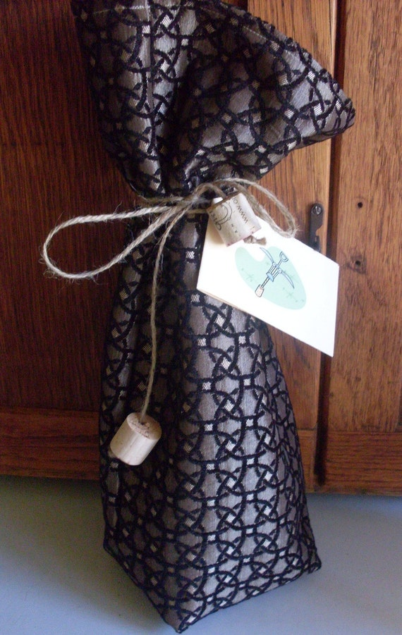 Wine Bottle Gift Bag with Gift Card Tag