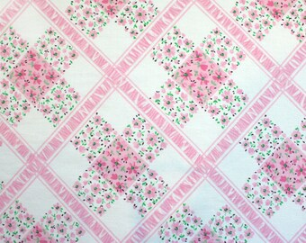 LAST ONE pink lattice, a vintage sheet fat quarter