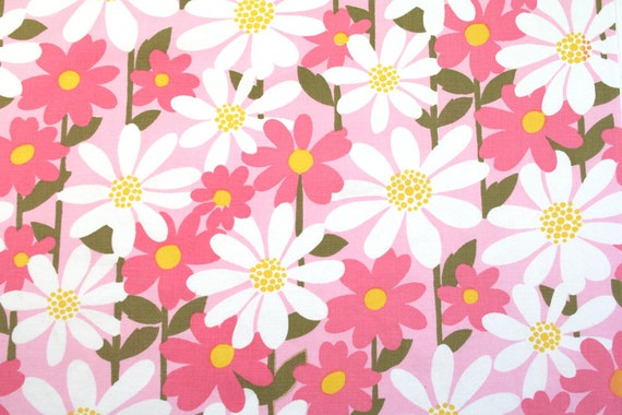 darling daisy in pink, a vintage sheet fat quarter