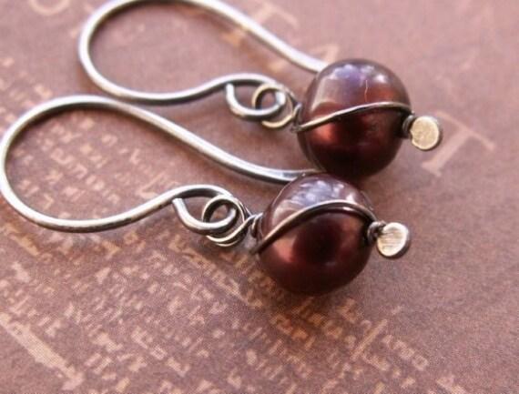 Red Freshwater Pearl Earrings, Sterling Silver Earrings, Dangle Earrings, Red Earrings, Pearl Jewelry, Silver Jewelry, Gothic Earrings