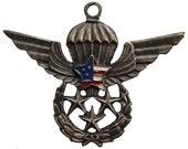 US AIRBORNE PARACHUTIST Vintage Navy and Marine Corps Enamel Combat Badge Pendant