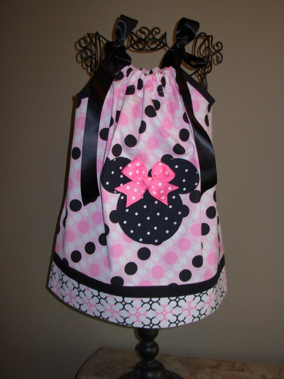 Minnie Mouse Pillowcase Dress Black Dots on Pink (extra for personalization)