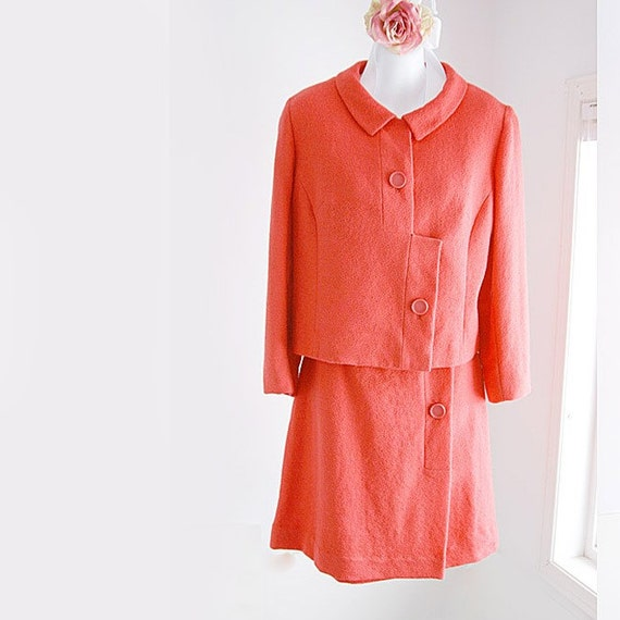 60's Amazing Coral Wool Crepe Suit -Perfect for Easter Sunday  -size 5 - 6