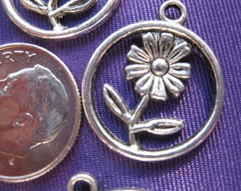 Flower Charm 5 pieces Tibetan Silver Jewelry Supply floral theme