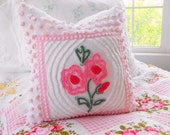 BEAUTIFUL SPRING FLORAL Vintage Chenille Matelasse Cameo Rose Pillow