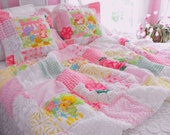HOW ADORABLE Vintage Strawberry Shortcake And Vintage Chenille Quilt And Pillows Set