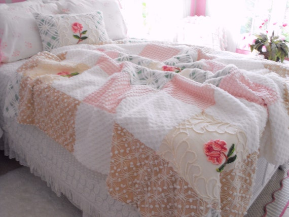 FULL SIZE Vintage Chenille Patchwork Coverlet Quilt And Pillow Set Pink Cameo Roses